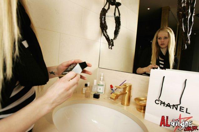 Аврил Лавин за Chanel