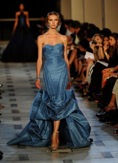 Вечерна рокля в синьо Zac Posen пролет 2012