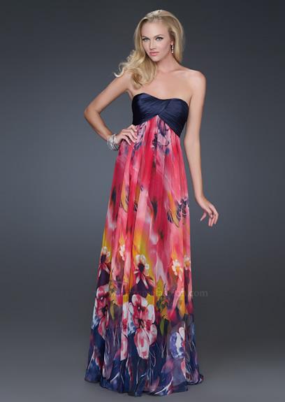 Бални рокли 2012 без презрамки с черно бюстие и пола на цветя 2012