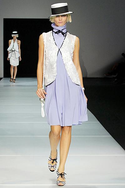 Светло синя рокля с висока яка и бяло сако Emporio Armani Пролет-Лято 2012