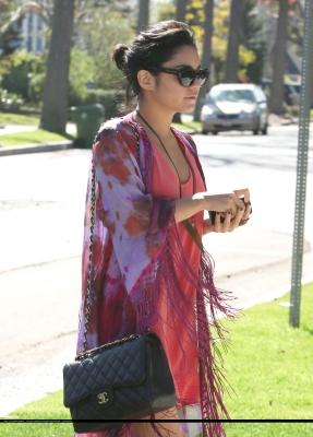 Ванеса Хъджънс с чанта Chanel