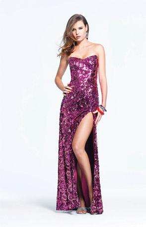 Дълга лилава рокля с цепка блестяща материя за бал 2012