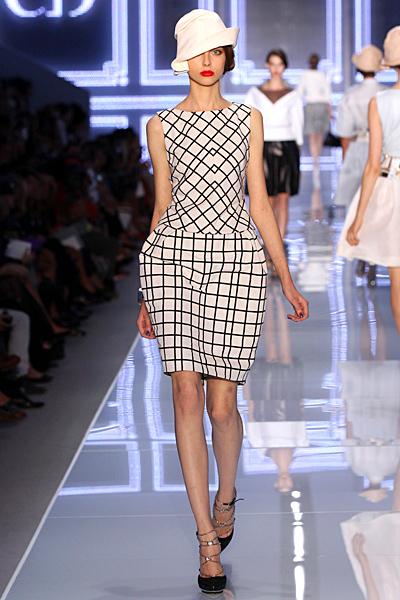 Рокля каре с разширен ханш Dior Пролет-Лято 2012