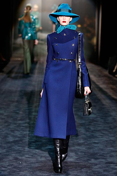 Дълго палто в турско синьо Gucci Есен-Зима 2011