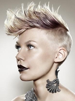 Фънки прическа за къса коса 2011
