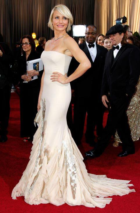 Камерън Диаз в телесен цвят рокля тип русалка Gucci Оскари 2012