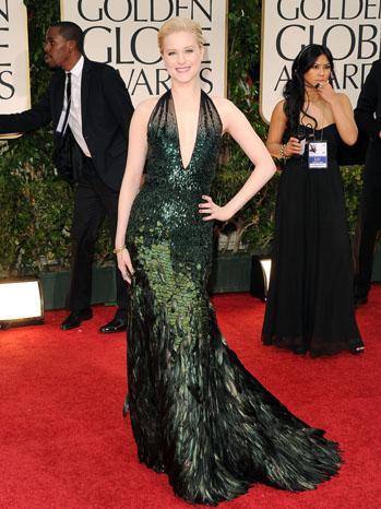 Евън Рейчъл Ууд в ефектна тъмно зелена рокля с пера Gucci