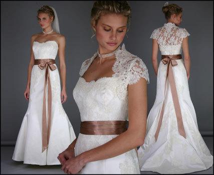 Сватбена рокля с дантела и панделка есен-зима 2011