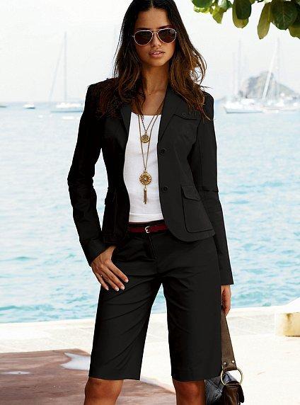 Тъмен костюм с къс панталон до коляно Victoria's Secret