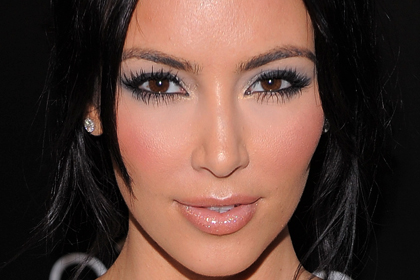 Ким Кардашиян със светли сенки