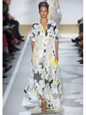 Дълга макси рокля на големи цветя Diane von Furstenberg пролет-лято 2012