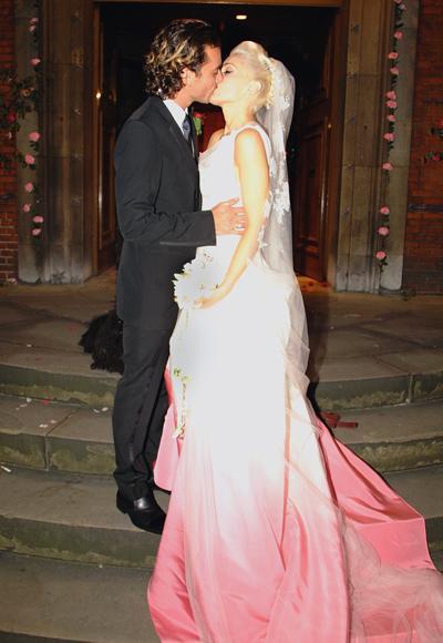 Гуен Стефани, която през 2002 се омъжи за Гавин Росдейл