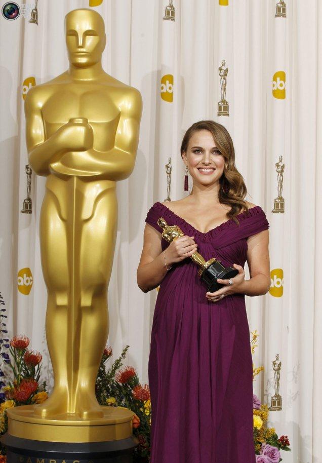 Натали Портмън с Оскар за най-добра женска роля в Черният лебед, Оскари 2011