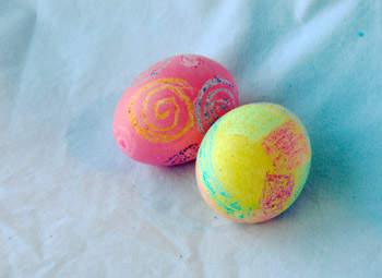 Великденски яйца рисувани с пастели