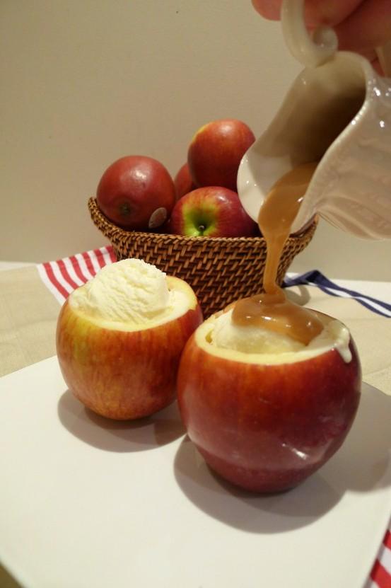 Ябълки пълнени с крем бренди карамел