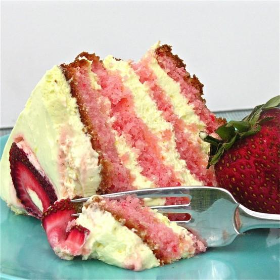 Торта с ягодова лимонада