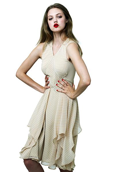 Лека бежова рокля с бели точки Ваканционна колекция Z Spoke на Zac Posen 2012