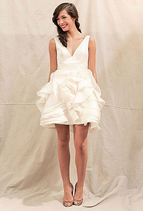 Къса булчинска рокля с висока талия и остро деколте Ivy and Aster Пролет 2012