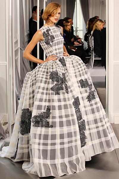 Бална рокля бяло и сиво каре Haute Couture на Dior за Пролет-Лято 2012