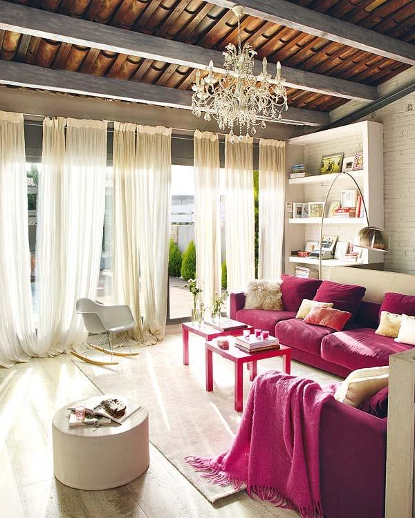 Интериор за малък апартамент с цветен акцент