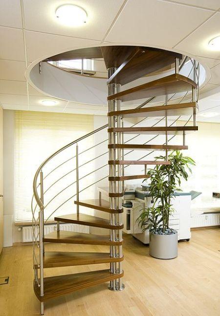 Спирална стълба
