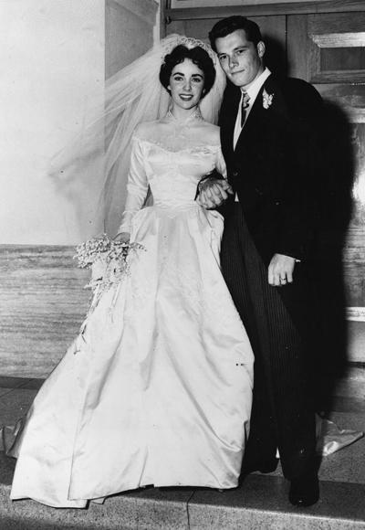 Елизабет Тейлър на първата (от общо 7) си сватба с Конрад Хилтън