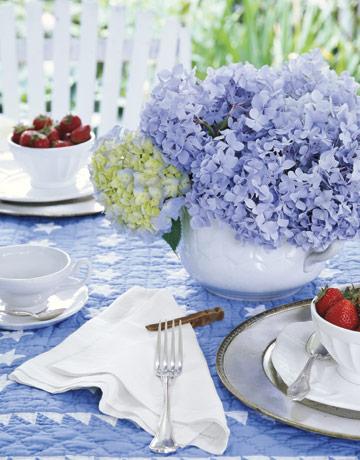 Декорация за маса с люляк