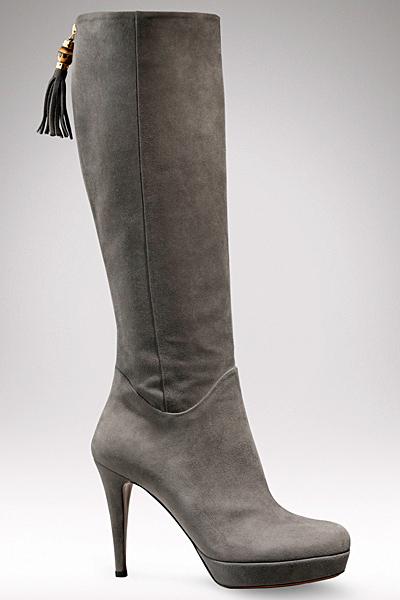 Елегантни сиви ботуши с пискюл Gucci Есен-Зима 2011