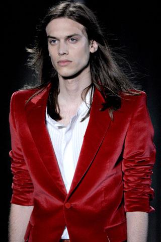Мъжка прическа за дълга права коса