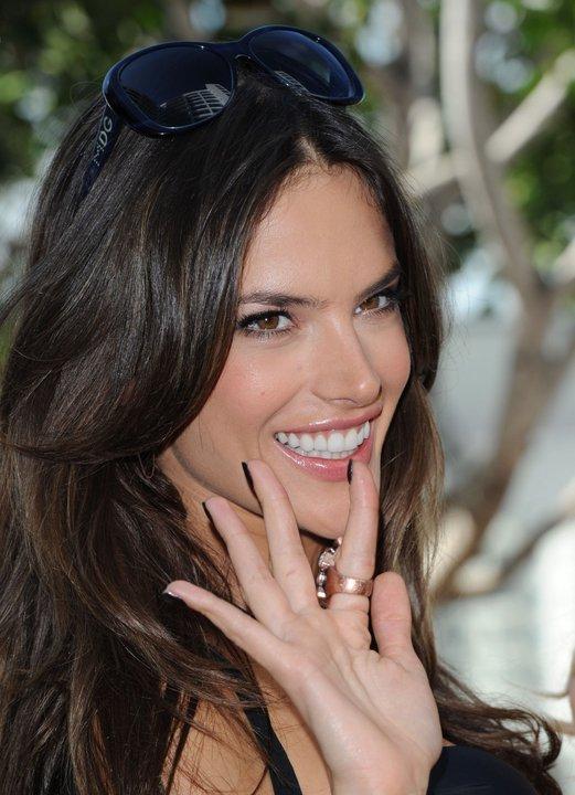 Алесандра Амброзио е един от любимите ангели на Victoria's Secret