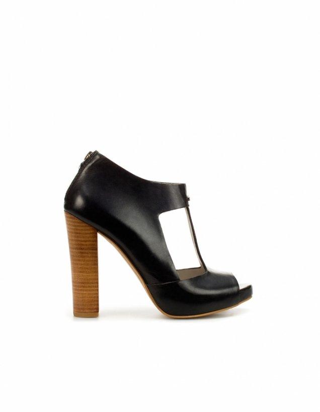 Черни изрязани обувки на висок широк ток Zara Пролет-Лято 2012