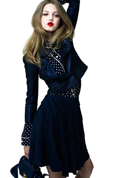 Тъмно синя пола с риза на точки и лъскаво късо сако Ваканционна колекция Z Spoke на Zac Posen 2012