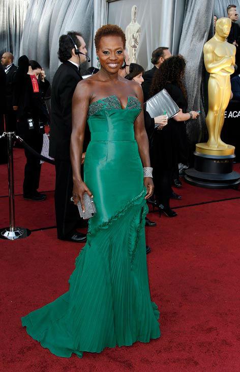 Вайола Дейвис в зелена рокля Vera Wang Оскари 2012