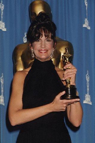 Мерседес Руел с Оскар за поддържаща женска роля в Кралят на рибарите, Оскари 1992