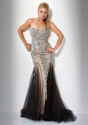 Бални рокли 2012 Дълга бална рокля без презрамки тип русалка 2012