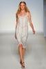 Бяла рокля с тънки презрамки Alberta Ferretti пролет 2012
