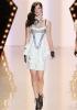 Бяла рокля до коляното с капси Betsey Johnson пролет 2012
