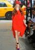 Червена пролетна рокля до коляно DKNY пролет 2012