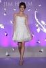 Къса булчинска рокля с декоратвни бели люспи Jim Hjelm пролет 2012