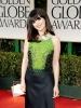 Зоуи Дешанел в елегантна рокля Prada