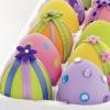 Великденски яйца с панделки и камъни