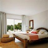 Средиземноморска вила в Ибиза - спалня за гости
