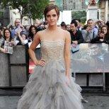 Ема Уотсън в прелестна рокля с корсет с камъни