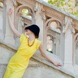 Лимонено жълта елегантна рокля - малко летен шик