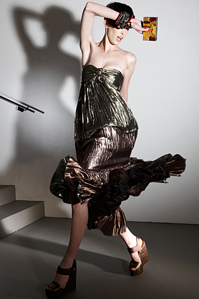 Ретро лъскава рокля без презрамки Ваканционна колекция Lanvin 2012
