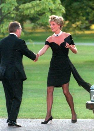 Черната шифонена рокля на Лейди Даяна