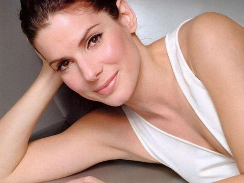 Сандра Бълок е родена през 1964 година