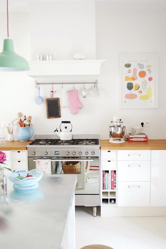 Сладка кухня в бяло