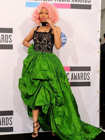 Ники Минаж в рокля Oscar de la Renta