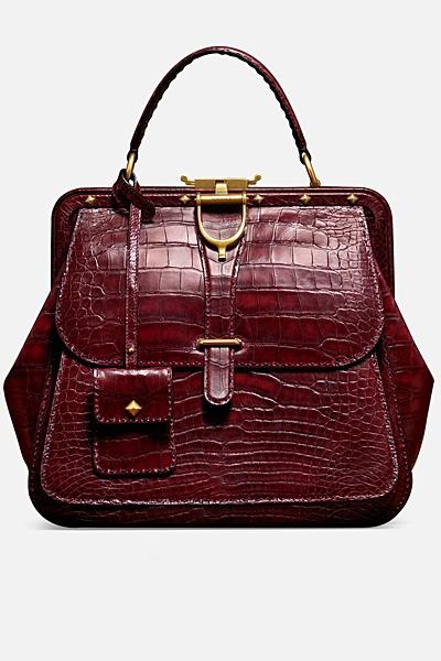 чанта на Gucci в бордо